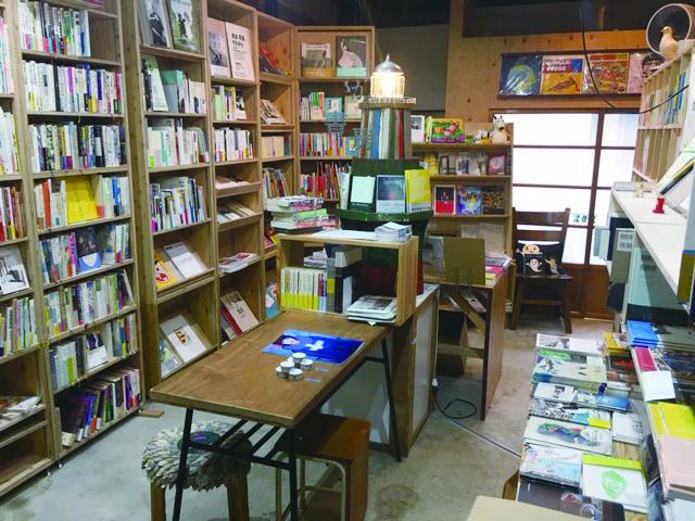 川西市,マルシェ,マーケット,デザイン,まがり書房